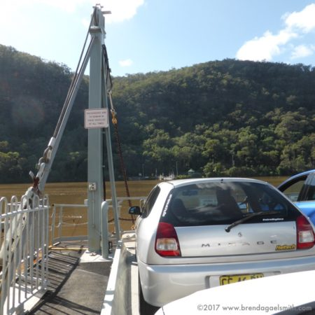 Wiseman's Ferry crossing the Hawkesbury